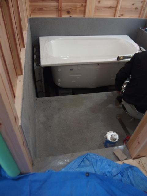 浴槽据付_e0382305_08332915.jpg