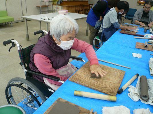 4/18 陶芸教室_a0154110_08324368.jpg