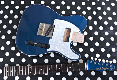 Guitar × 2種とBass × 2種の塗装が完了しました!_e0053731_16444066.jpg
