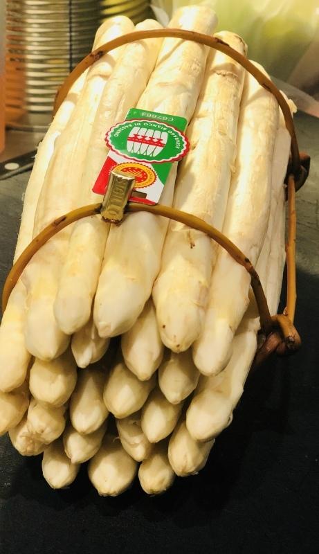 イタリア・バッサーノ・デル・グラッパ産ホワイトアスパラガス!&4月20日(金)のランチメニュー_d0243849_15124080.jpeg