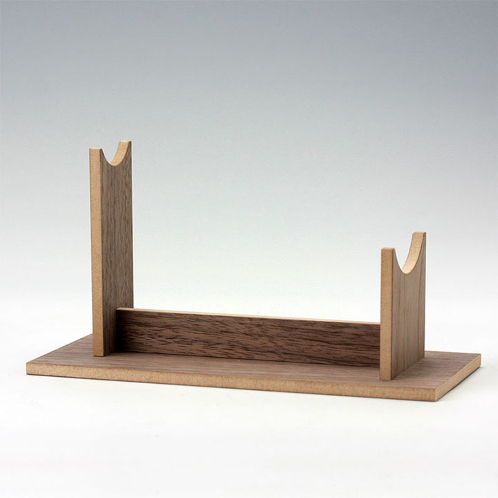 Walnut Display Stand for Piranha Prop Replica Model_e0118156_21343813.jpg