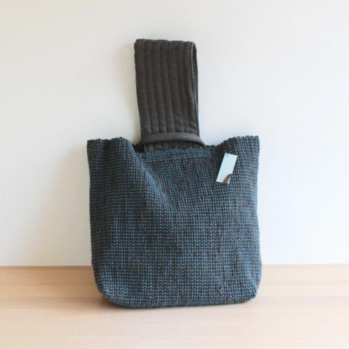明日、4月21日(土)から、薄井ゆかりさんの裂き織りバッグ展です。_a0026127_13001041.jpg