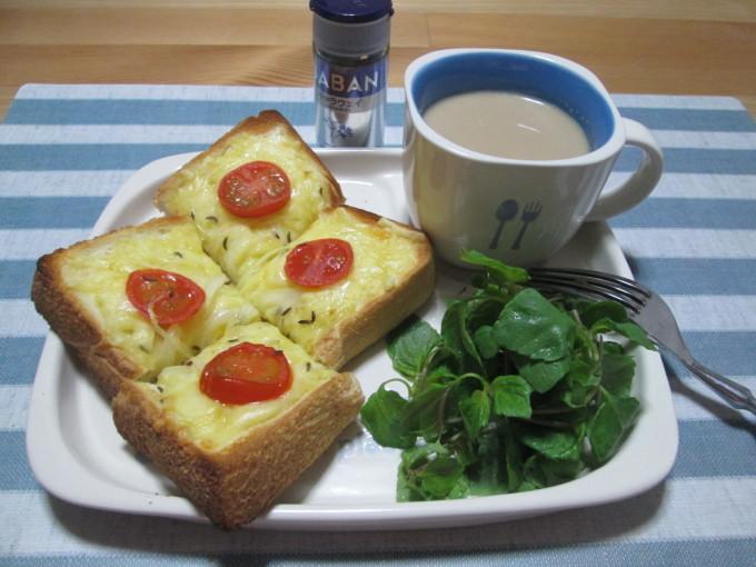 朝食に!キャラウェイ香る♪チーズトースト_d0361028_23133319.jpg