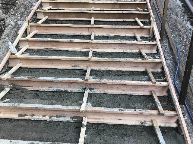 階段修理2日目_f0031037_19224485.jpg