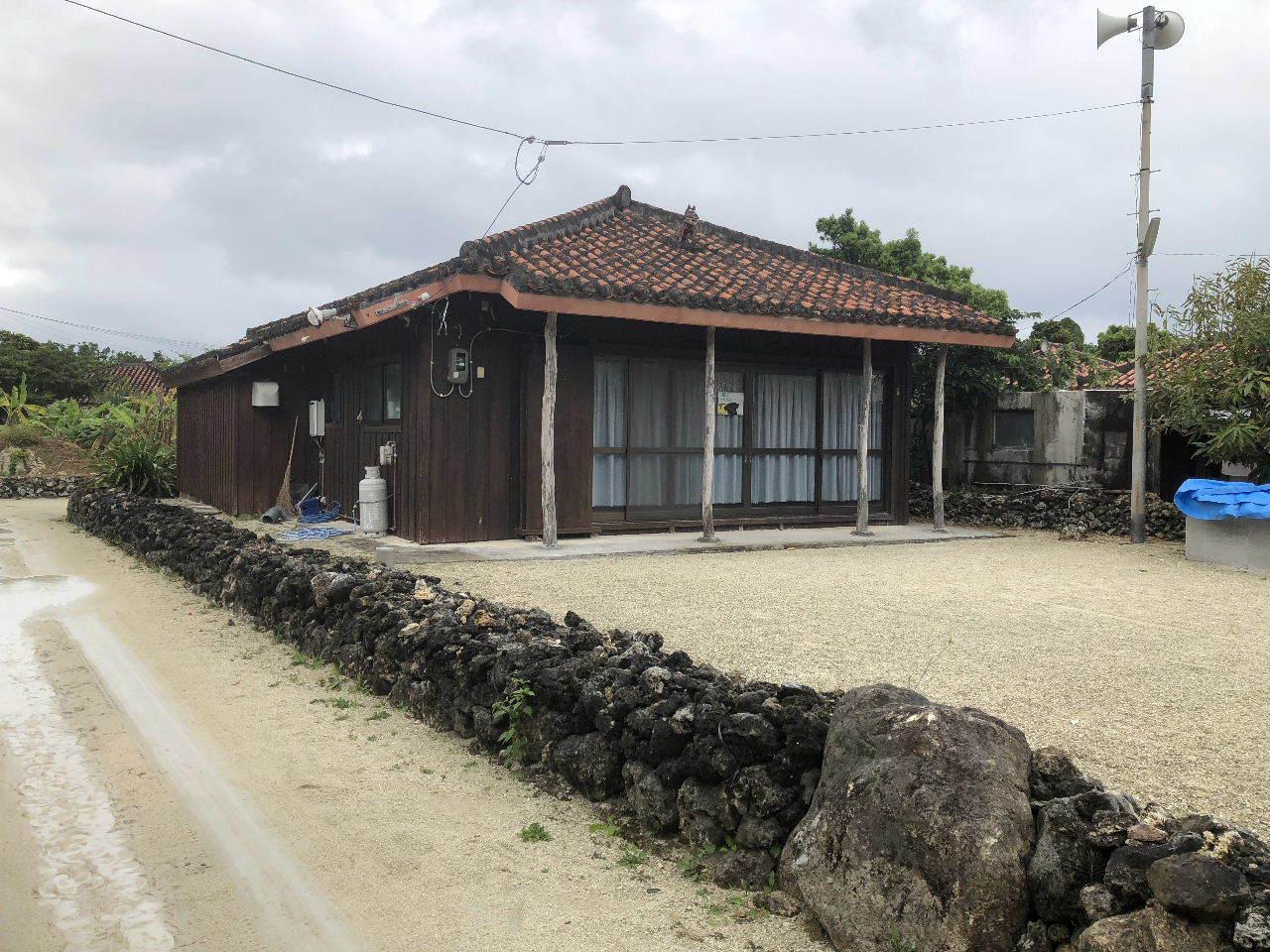 竹富島観光  水牛車でのんびり観光_c0011649_04302192.jpg