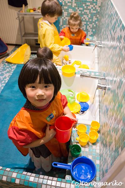 パリの児童館的なところ_c0024345_17100623.jpg
