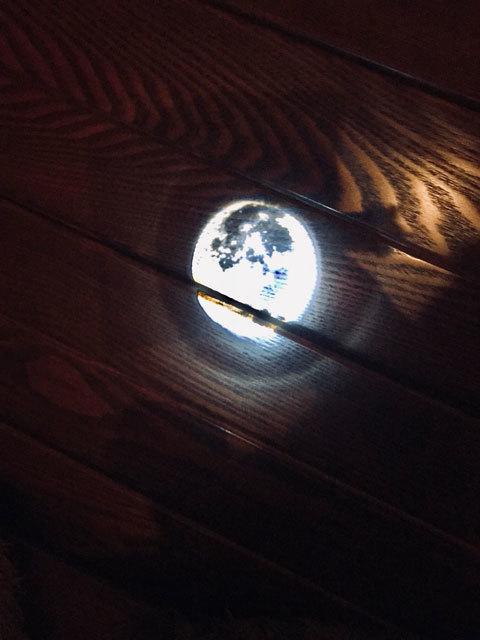 満月のペンライト_a0342172_01213592.jpg