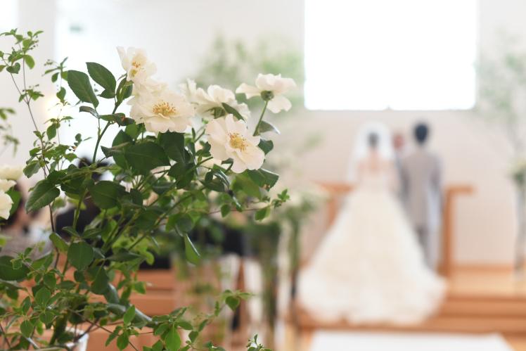 チャペルにお花を_e0120789_13341595.jpg
