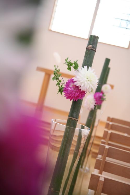 チャペルにお花を_e0120789_14265782.jpg