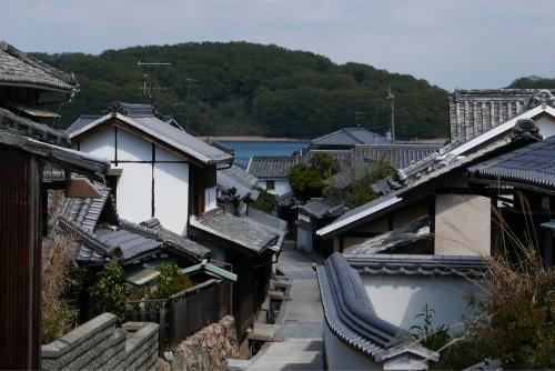 海界の村を歩く 瀬戸内海 本島・岩黒島_d0147406_12590118.jpg