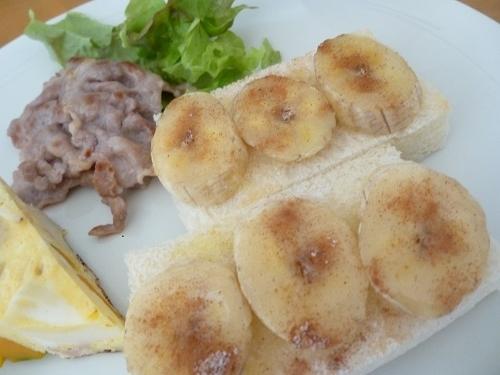オープントーストの朝食_b0198109_21174230.jpg