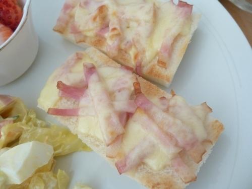 オープントーストの朝食_b0198109_21174857.jpg