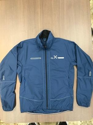 軽量な防風ジャケット「MJAW97X ONE PIECE HOODY JACKET]_a0353466_17122073.jpg