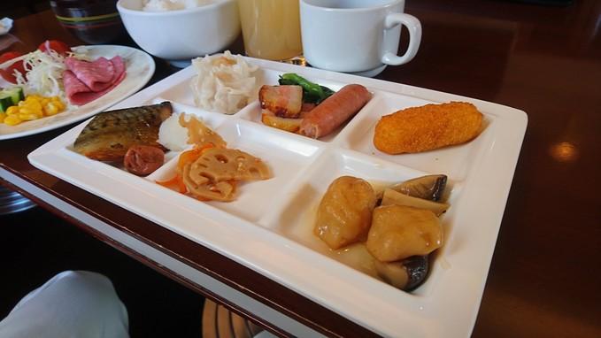 ホテルエミシア札幌の朝食バイキング_b0106766_19224499.jpg