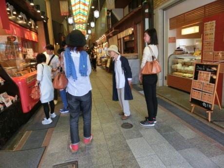 京都錦市場 と、富士山(あたまだけ)_a0203003_14523378.jpg