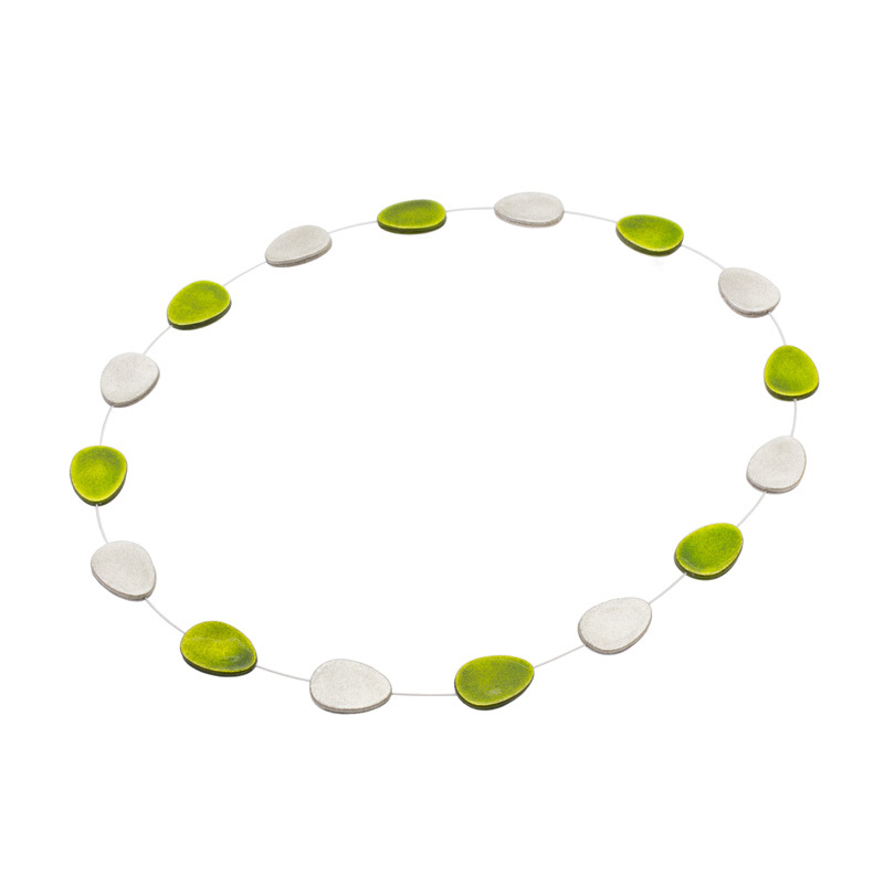 マドマドこれくしょん 蒔絵のアクセサリー 革ロングネックレス 観覧車 たまご ライム 銀色粉 Fantasy MAKIE accessories madomado collection Leather long necklace Ferriswheel Lucky Eggs Lime green & silver 伝統工芸・日本の手仕事から生まれたファンタジーな世界観の身につけるオブジェ、心が穏やかになるエネルギーを秘めるラッキーモチーフのたまご型、爽やかなライム色は奥行き感を演出、銀色粉を蒔きオーロラ色に輝く小さな螺鈿貝がアクセント、ふんわり軽い新感覚のネックレス。 #Accessories #Necklace #Leathernecklace #longnecklace #Ferriswheel #eggs #Limegreen #handiwork #poppedout #madomadocollection #Sakamotocollection #handmade