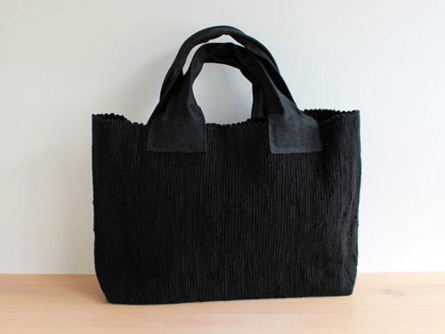 薄井ゆかりさんの横長のバッグ。_a0026127_16340768.jpg