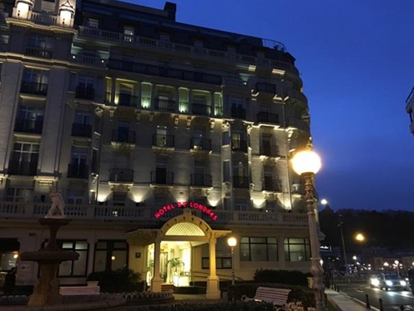 サンセバスチャンのホテル・・と朝バル_d0041729_21231556.jpg