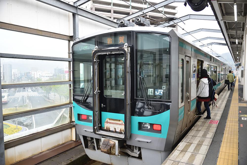 鉄道ブラ旅 綾部経由で敦賀へ_e0164563_13455353.jpg