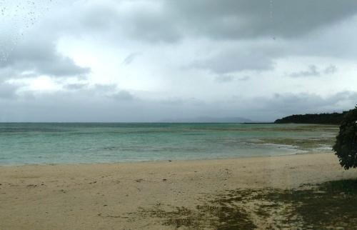 竹富島観光(2) 水牛車でのんびり観光、そして星砂の浜_c0011649_13263301.jpg