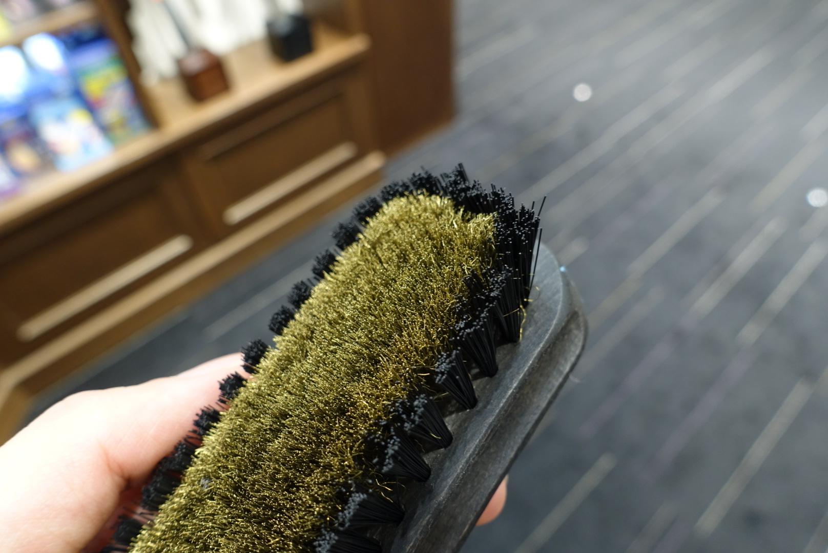 3種の起毛皮革専用ブラシ_f0374162_10405435.jpg