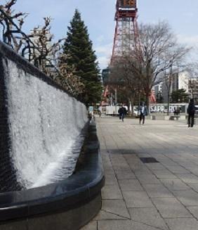 大通公園の春景色 噴水・木蓮・こぶし_f0362073_18025614.jpg