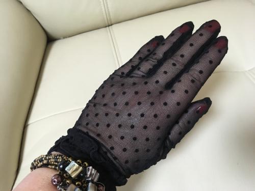 黒いレースの手袋、妄想コーデ広がる_f0378589_17544578.jpg