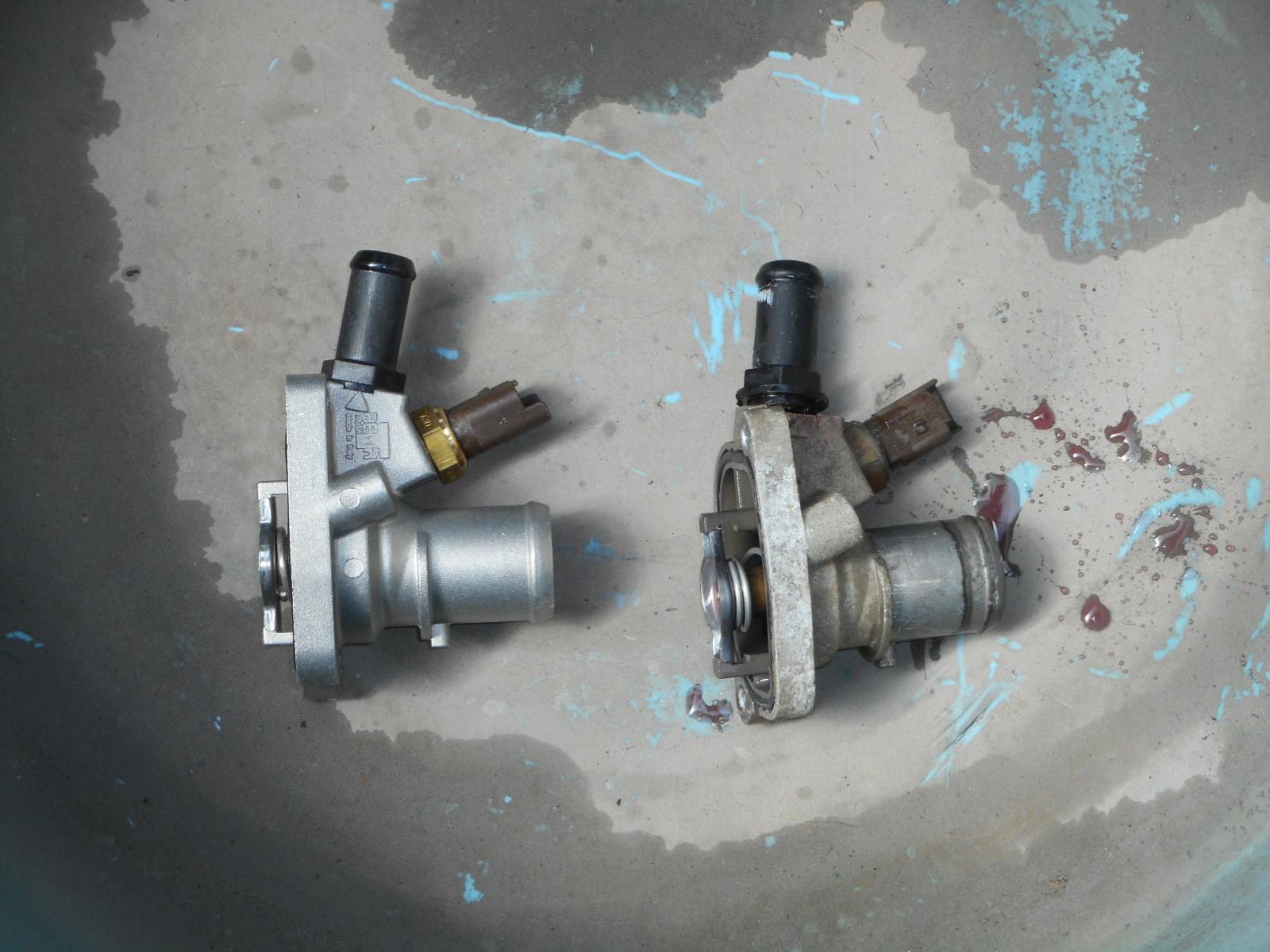 フィアット500 冷却水漏れ 整備(サーモスタット交換)_c0267693_17573715.jpg