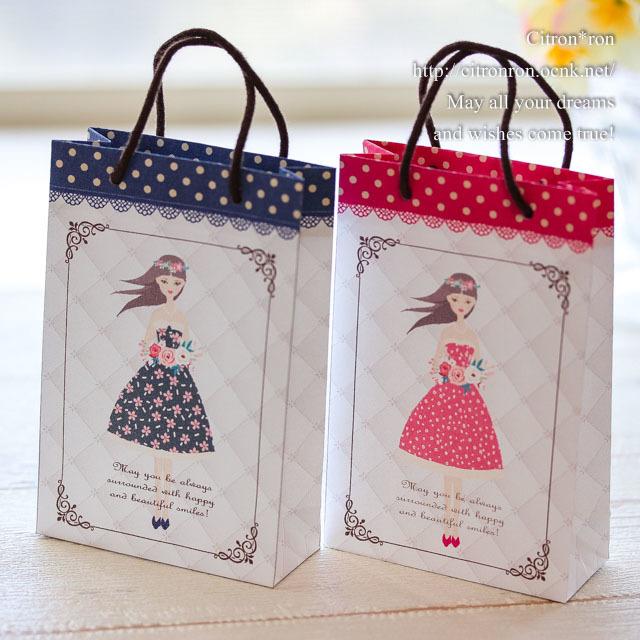 試作】プレゼント用ミニ紙袋(女の子)  ピアス台紙・手作り