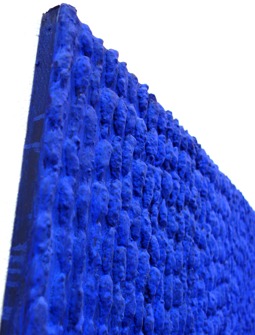 【山口敏郎展】圧巻!降り注ぐ青の雨の壁に吸い込まれる不思議_a0017350_06365575.jpg