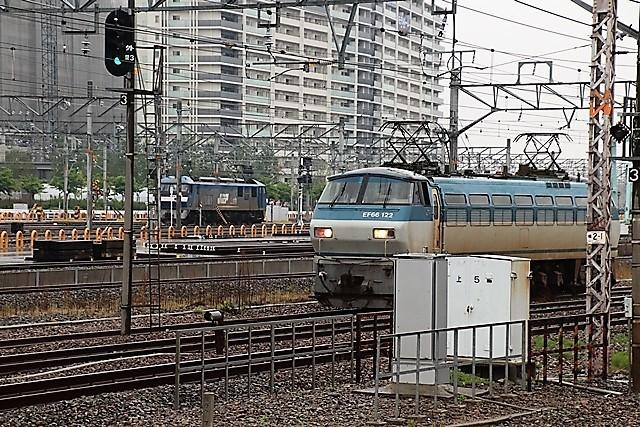 藤田八束の鉄度写真@貨物列車を激写、貨物列車金太郎、桃太郎、EF65を追っかけてカメラでキャッチ・・・嬉しい瞬間_d0181492_17231747.jpg