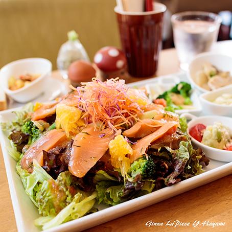 料理の風景 野菜モリモリ サラダプレート_b0133053_02011376.jpg