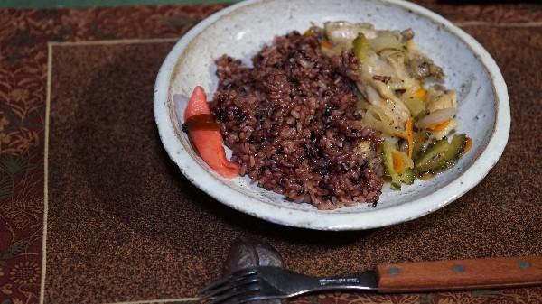 夕飯は手羽の野菜炒め_e0166355_19525538.jpg