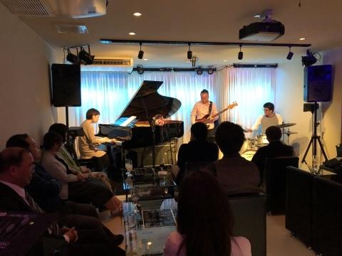 広島  Jazzlive comin 本日のライブと 5月のライブスケジュール_b0115606_11070105.jpeg