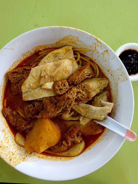 シンガポールなカレーヌードル@Heng Kee Curry Chicken Bee Hoon Mee_e0368107_14310845.jpg