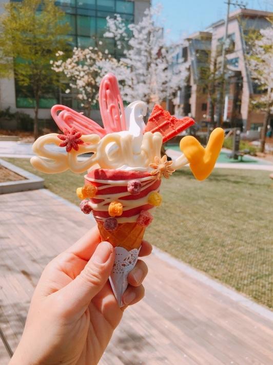 ソウルで可愛いソフトクリームを食べる『ビストッピング』_b0060363_00093669.jpg