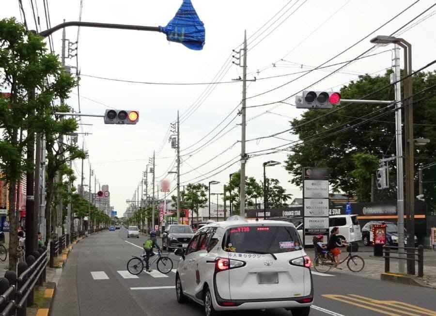 あかしあ通りに信号機設置_f0059673_22591006.jpg