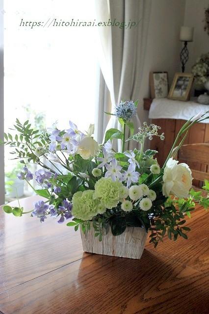 初夏の花を使ったアレンジメントと初夏のインテリア_f0374092_17064923.jpg
