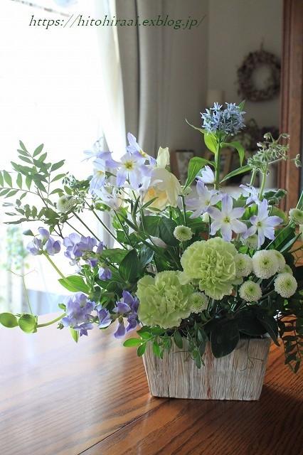 初夏の花を使ったアレンジメントと初夏のインテリア_f0374092_17090105.jpg