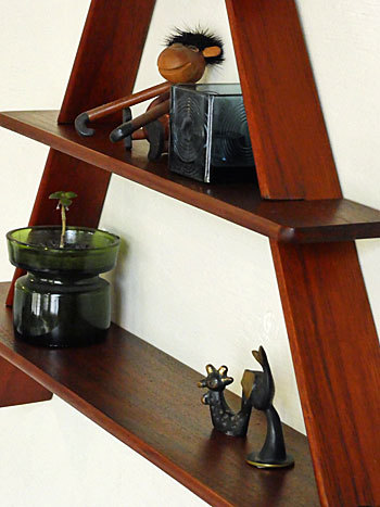 teak wall shelf_c0139773_18515429.jpg