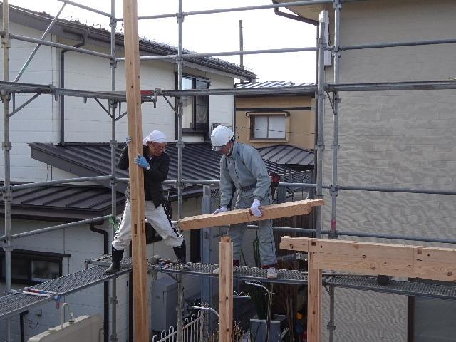 黒石野 桜の見える丘の上の家 建て方作業スタート!_f0105112_04271703.jpg
