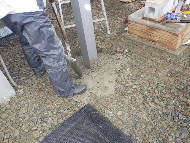 国分通りの家 外構工事が進行中。_f0105112_05215599.jpg