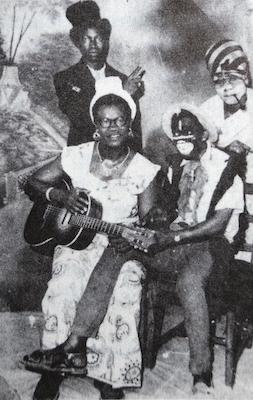 読書メモ:John Collins on Highlife (Books on Ghana 1)_d0010432_21504102.jpg