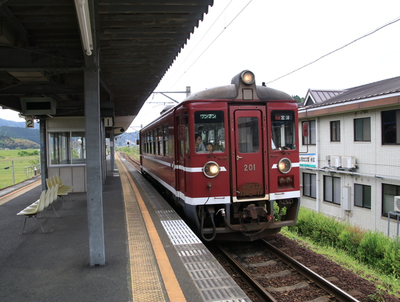 MF200形  大江駅 撮り鉄!_d0202264_2213534.jpg