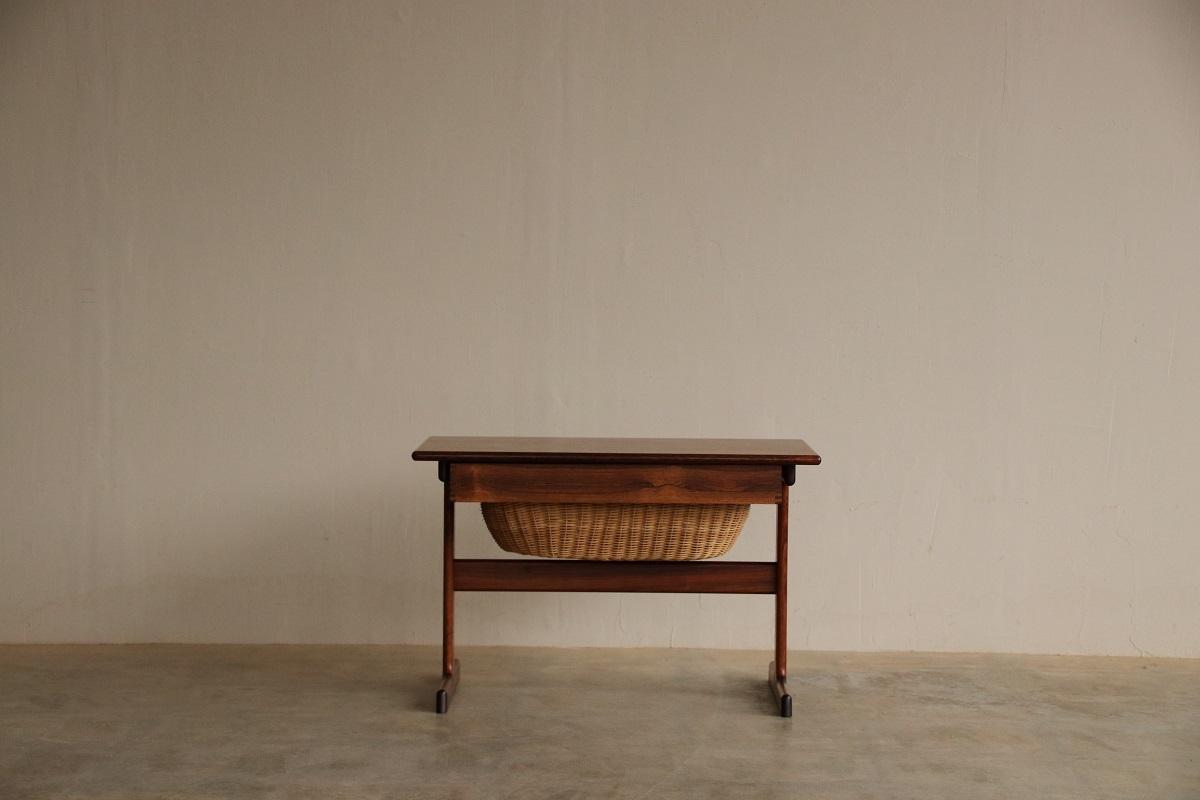 『Kai Kristiansen Sweing Table(Rosewood)の納品』_c0211307_21390946.jpg
