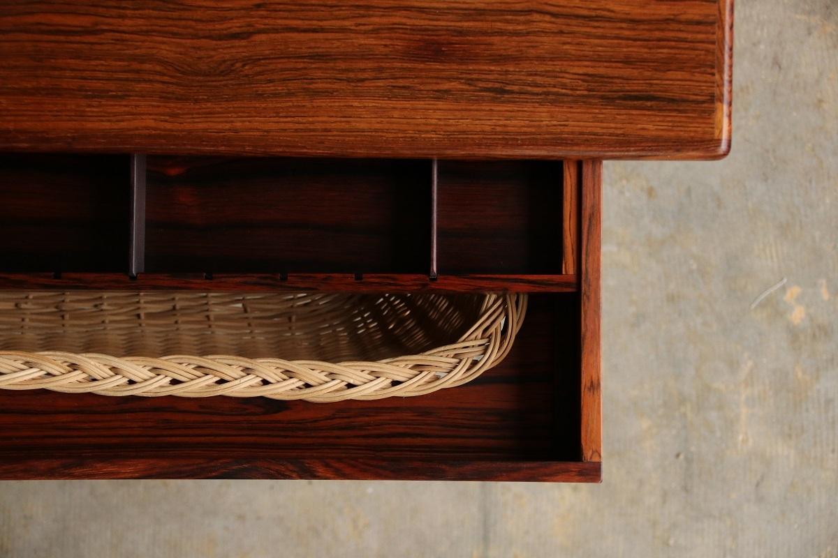 『Kai Kristiansen Sweing Table(Rosewood)の納品』_c0211307_21392243.jpg