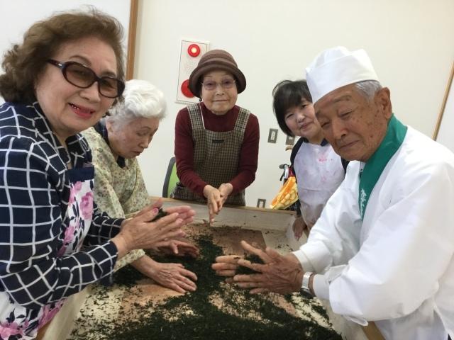 お茶の手揉み体験ツアー(2018.4.28)_a0079474_18145453.jpg