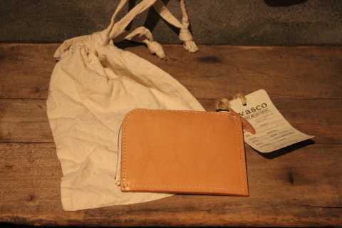 "VASCO 1点物の""LEATHER TRAVEL L-ZIP MINI WALLET\"" ご紹介_f0191324_08320967.jpg"