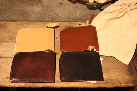 "VASCO 1点物の""LEATHER TRAVEL L-ZIP MINI WALLET\"" ご紹介_f0191324_08324677.jpg"