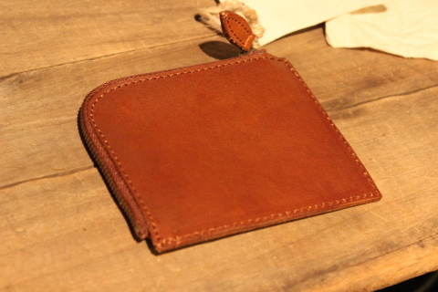 "VASCO 1点物の""LEATHER TRAVEL L-ZIP MINI WALLET\"" ご紹介_f0191324_08325415.jpg"